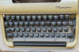 maszyna_do_pisania_greckie_litery